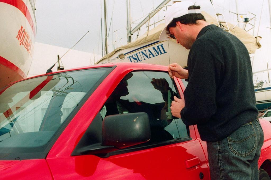Recht: Fahrzeugdiebstahl -  Papiere im Auto erhöhen nicht das Diebstahlrisiko