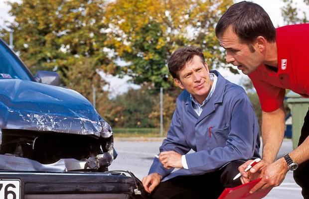 Recht: Mietwagen nach Unfall -  Zwei Wochen für die Wiederbeschaffung