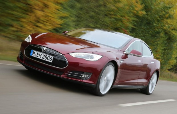 Tesla Model S - Elektroauto in Brand