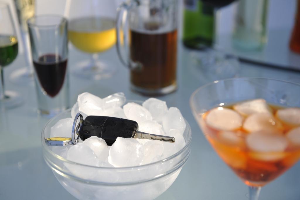 Untersuchung zu Alkohol am Steuer: Weniger Opfer durch berauschte Fahrer
