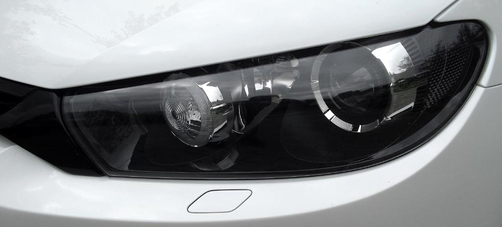 VW Scirocco: Typisch sind die mandelförmigen Leuchteinheiten vorn.