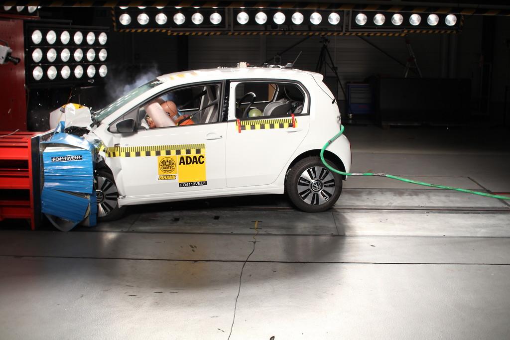 Volkswagen e-Up im ADAC-Crashtest