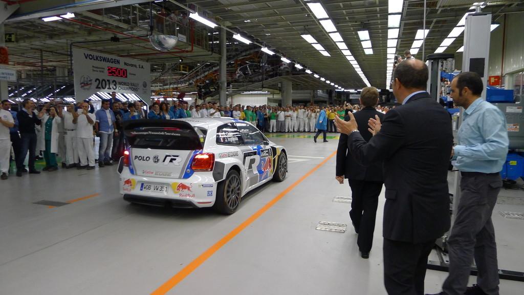WRC-Weltmeister besuchen VW-Werk in Pamplona