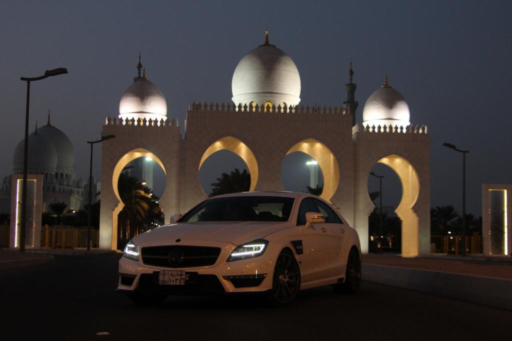 Weil man am Persischen Golf selbst mit einem AMG-Modell niemanden mehr beeindrucken kann, machen die Tuner in den Emiraten glänzende Geschäfte.