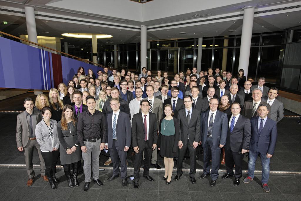 178 Absolventen des Dualen Studiums bei VW