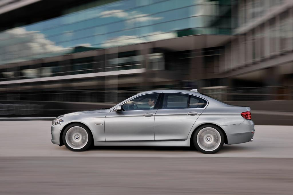4,5 Liter verspricht BMW im Mix und damit 119 Gramm CO2-Ausstoß.