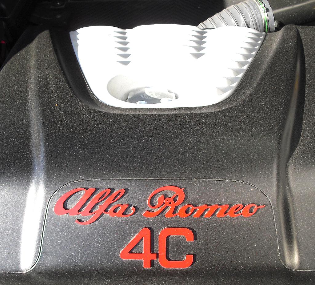 Alfa Romeo 4C: Bei dem 1,8-Liter-Benziner handelt es sich um einen Vierzylinder-Turbo.