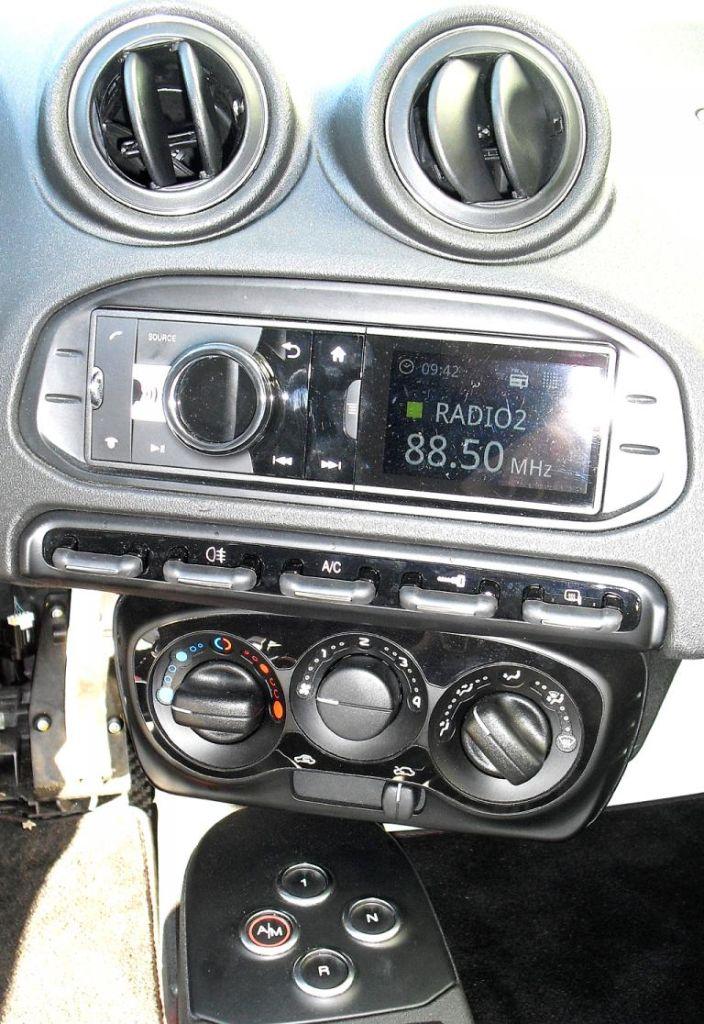 Alfa Romeo 4C: Blick auf den mittleren Armaturenträger.