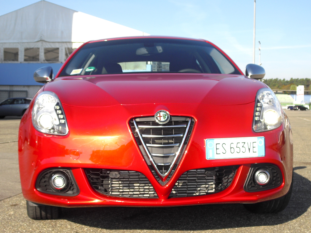 Alfa Romeo Giulietta: Blick auf die Frontpartie.