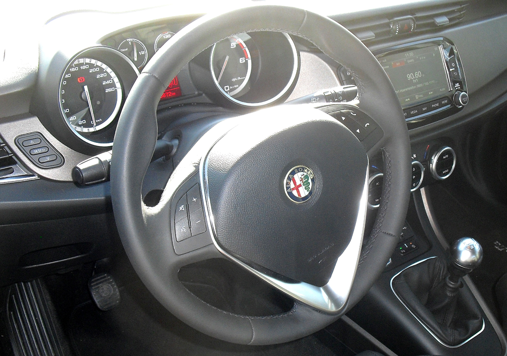 Alfa Romeo Giulietta: Blick ins Cockpit.
