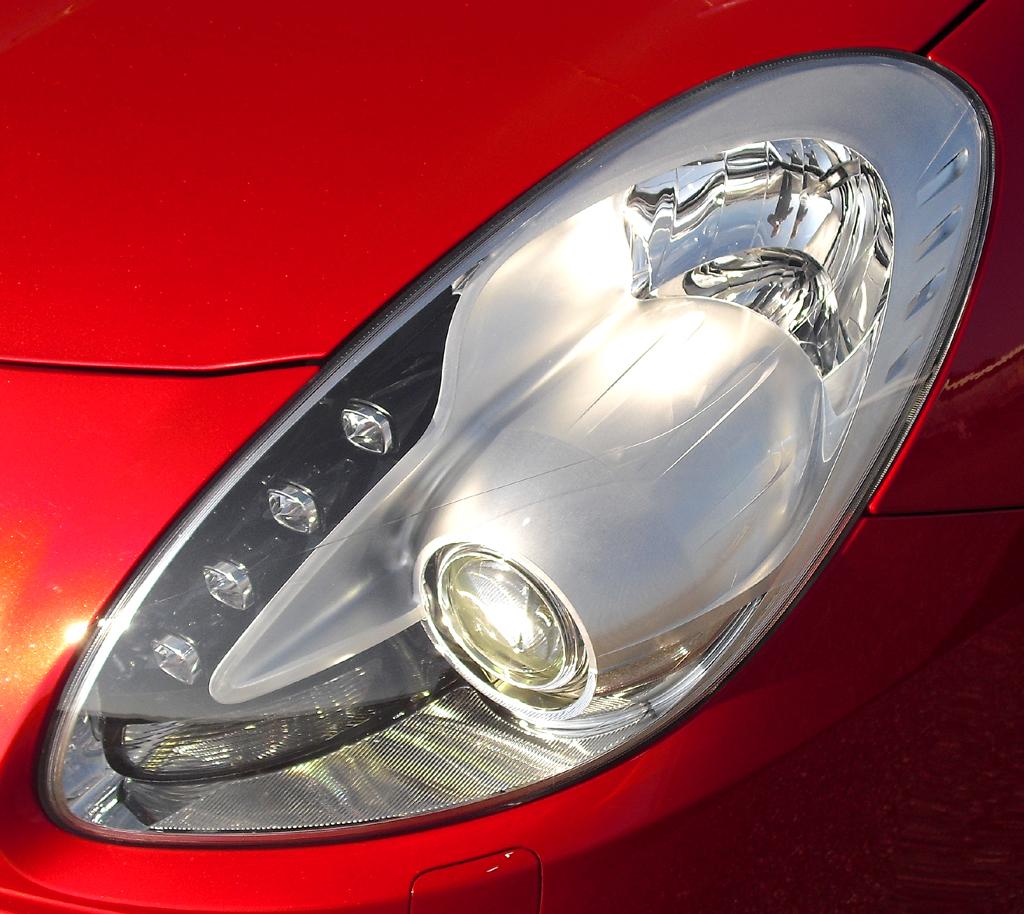 Alfa Romeo Giulietta: Moderne Leuchteinheit vorn.