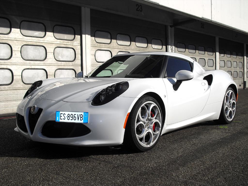Alfa sieht in neuem Kompaktsportler 4C zugleich Wendepunkt für die Marke