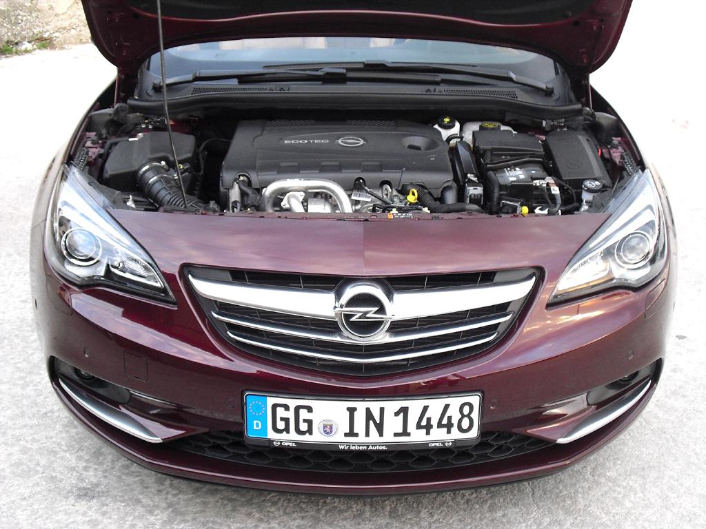 Auch Opels Cascada hat jetzt den neuen Biturbodiesel mit 143/195 kW/PS unter der Haube.