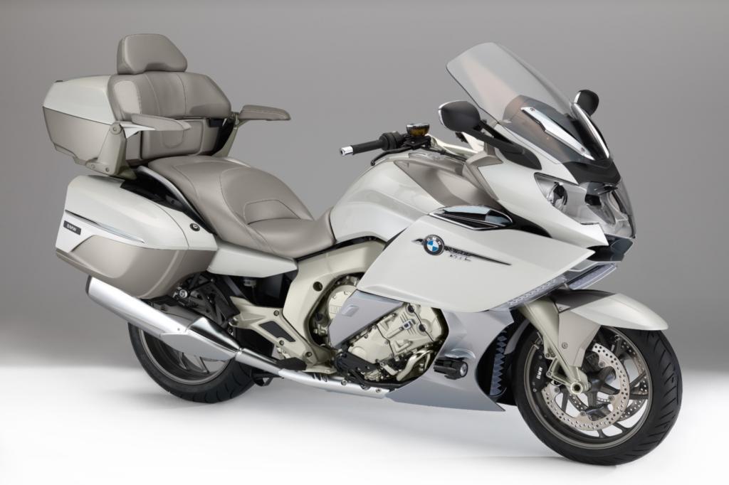 """BMW zeigt auf der Los Angeles Motor Show das Sondermodell """"Exclusive"""" der K 1600 GTL."""