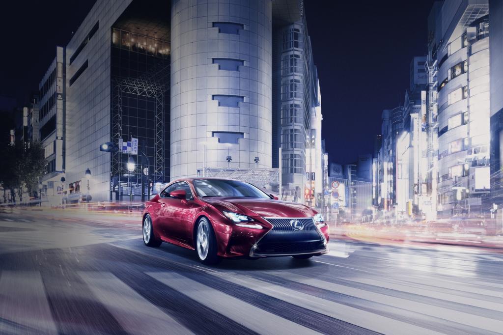 Bei Lexus fährt das Mittelklasse-Coupé RC vor, mit dem die Japaner im kommenden Jahr gegen BMW 4er und Audi A5 antreten wollen