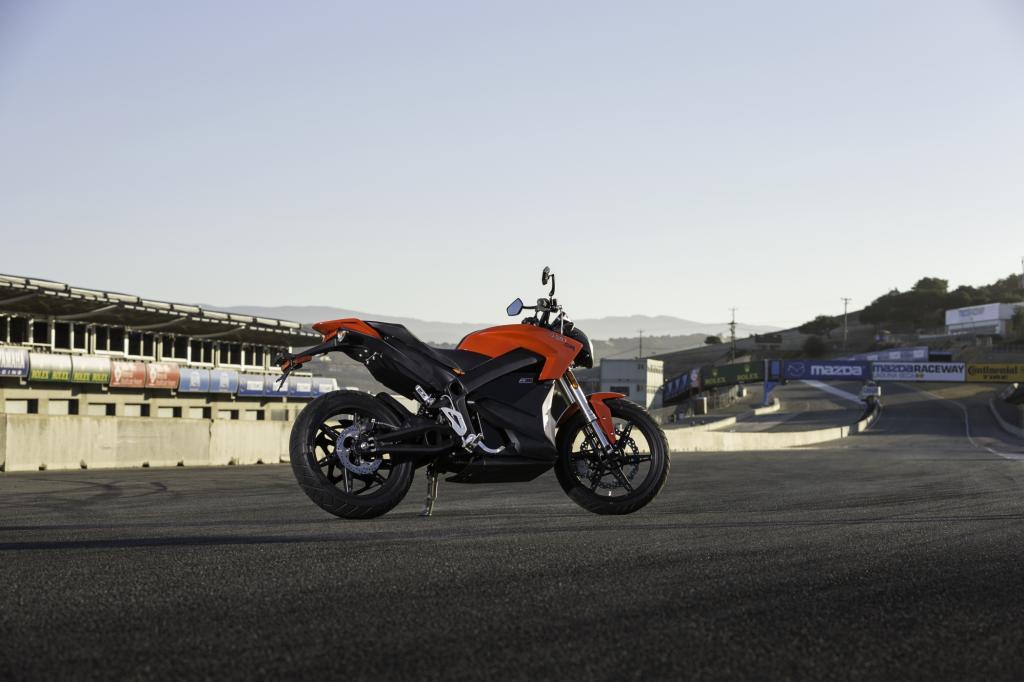 Bei der Zero SR werden  50 kW/67 PS und ein Maximaldrehmoment von 144 Nm geliefert