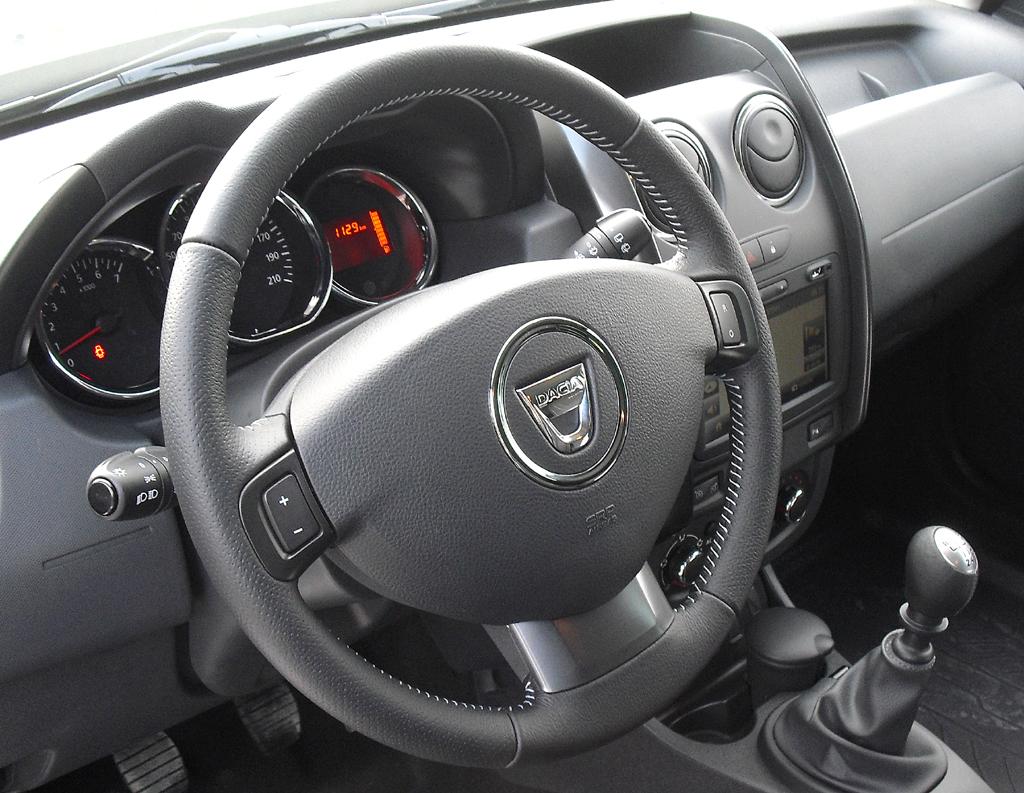 Dacia Duster: Blick ins Cockpit.