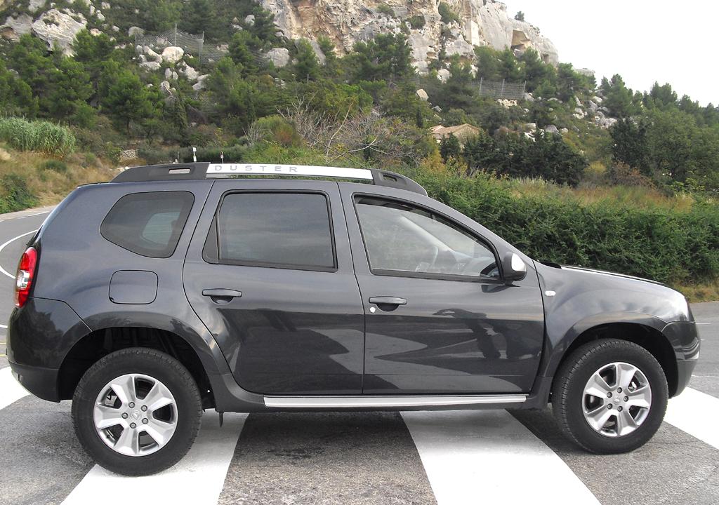 Dacia Duster: So sieht das kompakte SUV-Modell von der Seite aus.