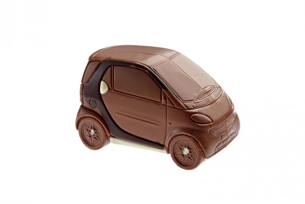 Eine himmlische Kombination vor allem für weibliche PS-Liebhaber sind Autos und Schokolade.