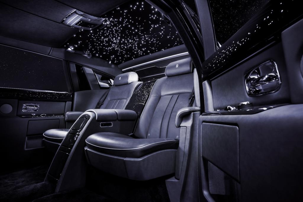 Für romantische Momente unter dem Sternen-Dachhimmel hat Rolls-Royce vorgesorgt