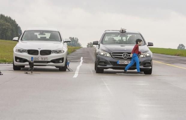 Fußgängerschutz von Volvo und Lexus überzeugt im Test