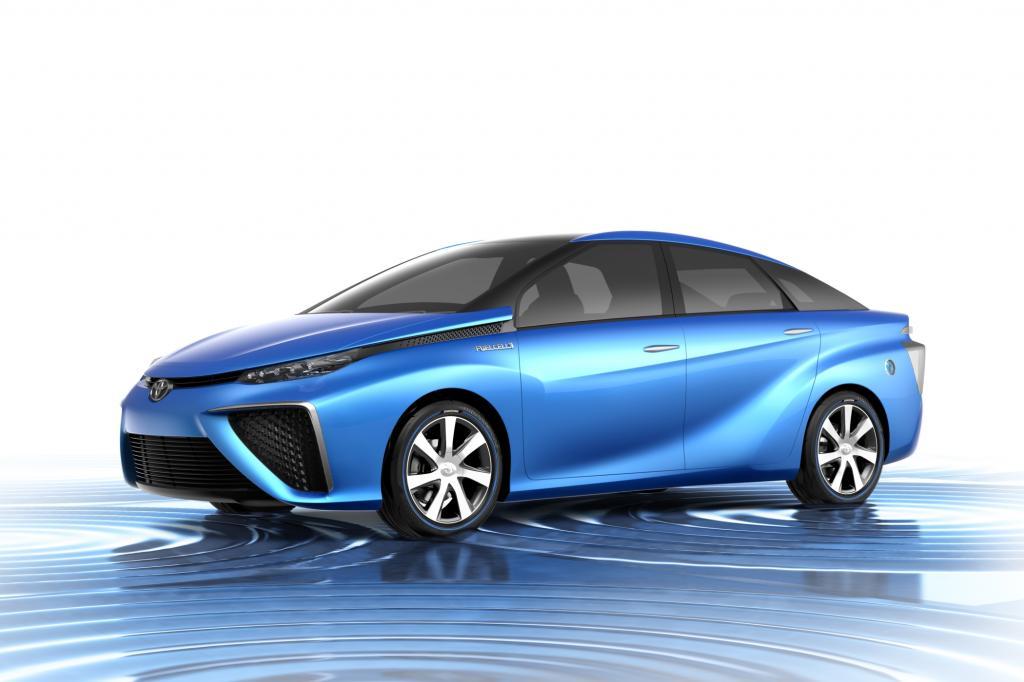 In Tokio feiert die Studie des mit Wasserstoff betriebenen Fahrzeugs von Toyota Weltpremiere