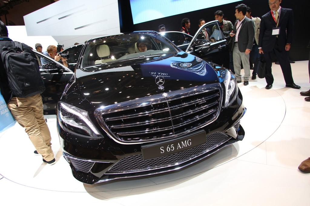 L.A. und Tokyo 2013: AMG schickt die S-Klasse in 4,3 Sekunden auf 100