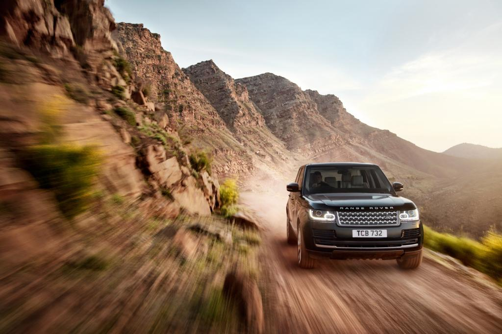 Land Rover rollt mit einer verlängerten Version des Range Rover vor.
