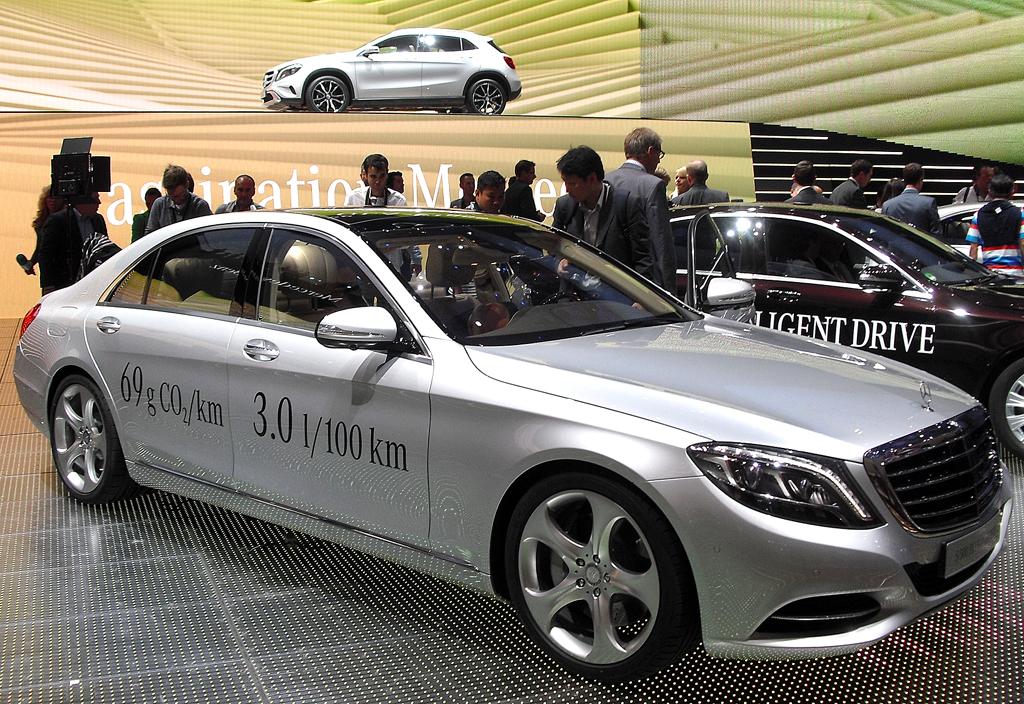 Mit elektrischem Antrieb: Mercedes-S-Klasse-Limousine.