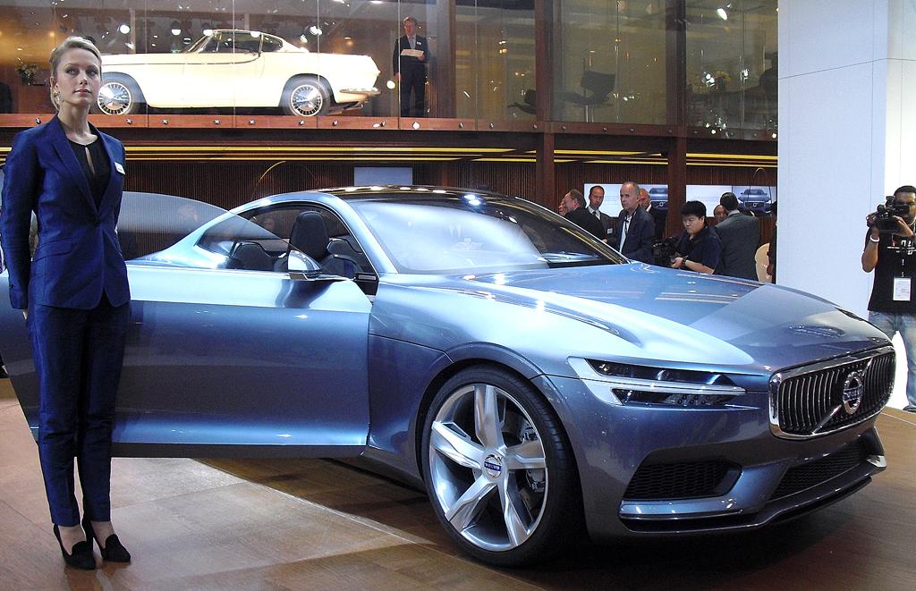 Mit elektrischem Antrieb: Volvo Concept Coupé.