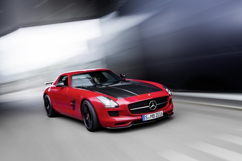 Neben den neuen Modellen präsentiert die Tuningschmiede die auf 350 Exemplare begrenzte Final Edition des SLS AMG GT.