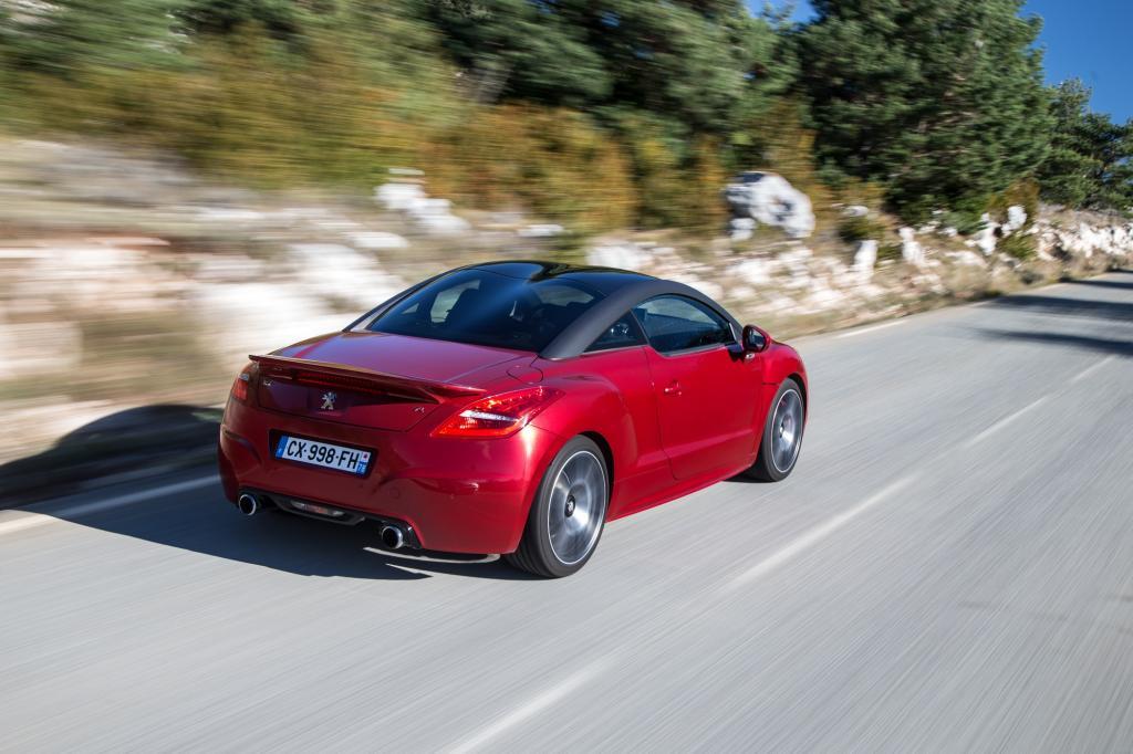 Nie zuvor in der Markengeschichte gab es einen stärkeren und schnelleren Peugeot als den RCZ R.