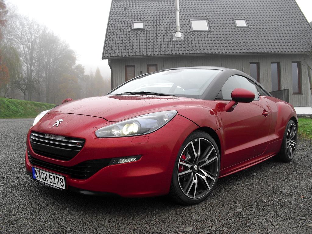 Rennsporttauglich auch bei tristem November-Wetter: Peugeot RCZ R.