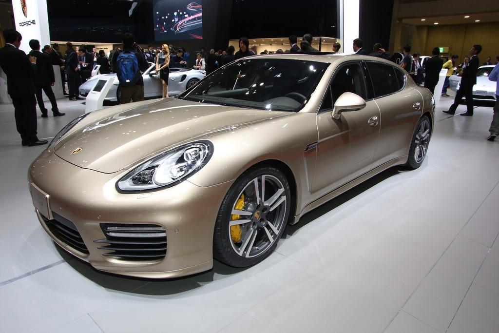 Tokyo 2013: Porsche Panamera bekommt 50 PS mehr
