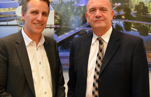 Umweltminister Wenzel informiert sich bei VW