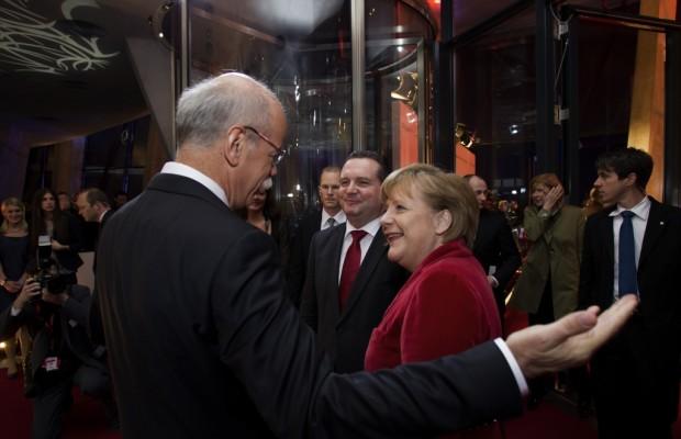 Umweltorganisation schießt gegen Daimler und Kanzlerin
