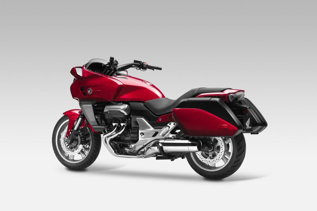 Vollständig neu entwickelt wurde der Tourencruiser CTX1300 mit V4-Motor