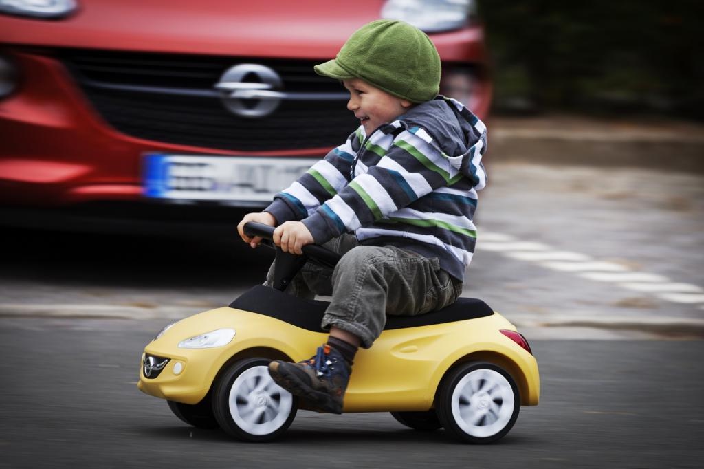 Wer seinen Kindern etwas Gutes tun will, findet mittlerweile eine umfassende Auswahl an Bobby-Cars vieler Marken.