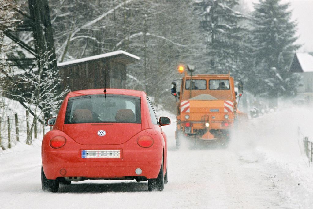 Winterräumdienste: Fahrweise immer den Witterungsbedingungen anpassen