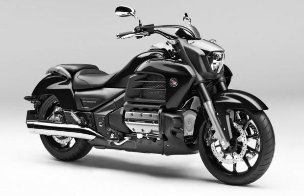 Zwei neue Straßen-Motorräder von Honda