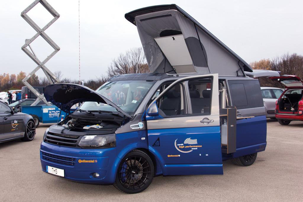 Geschwindigkeitsrekord: Der VW TH5 von Thomsen brachte es in Nardo mit seinen 580 PS auf unglaubliche 270,9 km/h.  Geschwindigkeitsrekord: Der VW TH5 von Thomsen brachte es in Nardo mit seinen 580 PS auf unglaubliche 270,9 km/h.