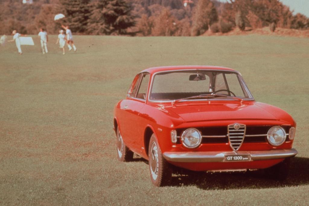 Alfa Romeo Giulia Coupe 1300 GT Junior