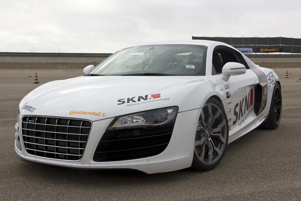 Auch das Team von SKN Tuning war zum ersten Mal in Nardo mit dabei und fuhr im Audi R8 mit knapp 350 Km/h direkt aufs Gesamt-Podium der Höchstgeschwindigkeiten aller Tuner.