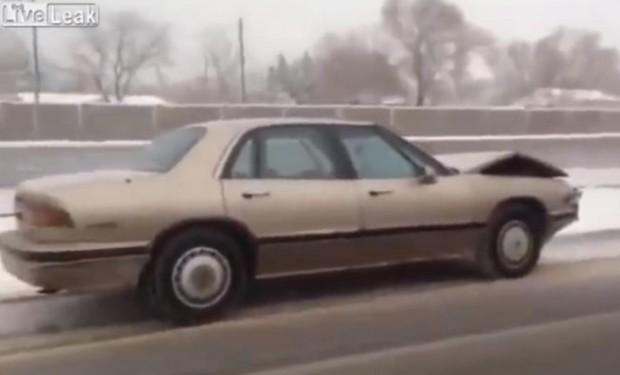 Autonomes Auto im Schnee
