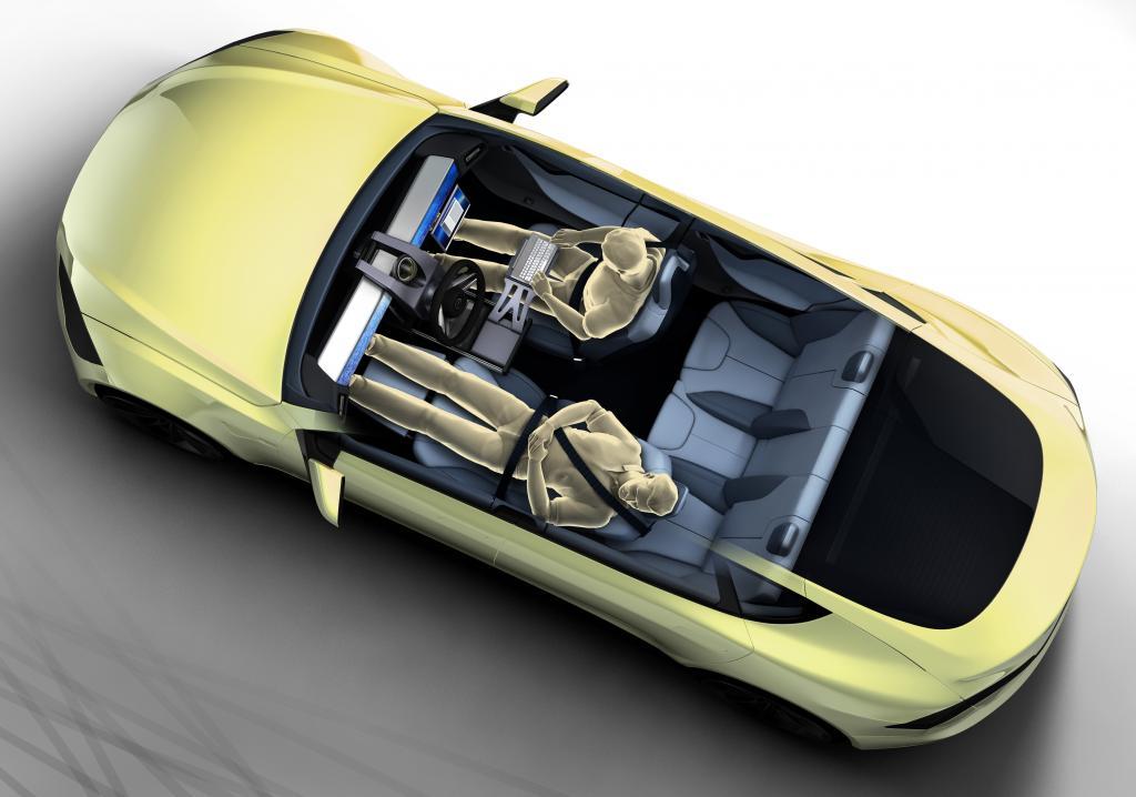 Beim Autofahren nicht mal mehr auf die Straße gucken – ein solches Konzeptauto stellt ein Schweizer Unternehmen auf dem Genfer Automobilsalon vor