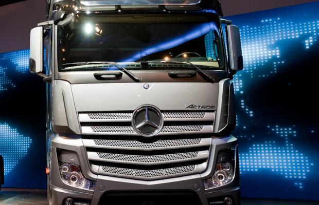 Daimler Trucks 2013 wieder mit alter Größe