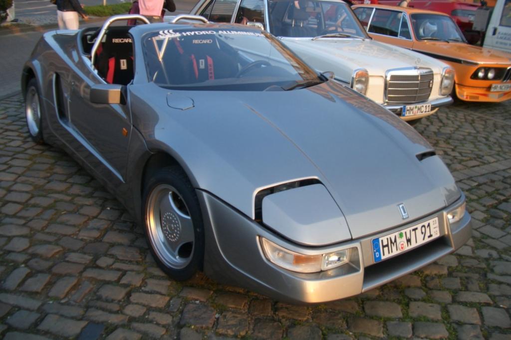 Die Firma Treser bezog 1985 die Räume einer Konkurs gegangenen Maschinenfabrik im Berliner Stadtteil Wittenau