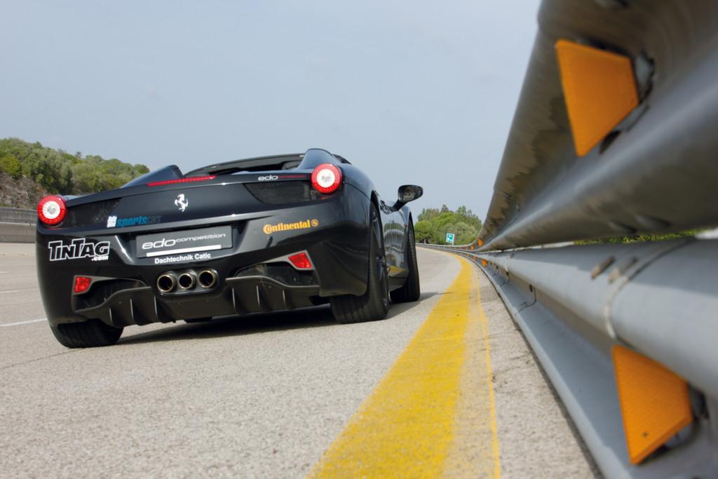 Die Höchstgeschwindigkeiten werden in Nardo immer auf der obersten Spur gefahren. Gefahren wurde auch 2013 wieder gegen den Uhrzeigersinnn.