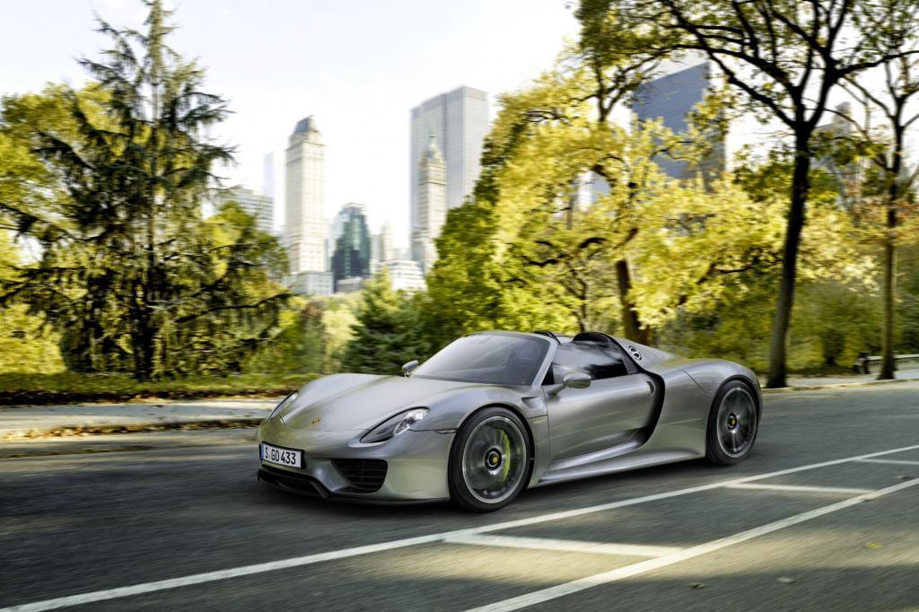 Foto © Porsche - Die Doppelherz-Strategie hat sogar die Sportler unter den Autos erfasst: BMW i8, La Ferrari, Porsche 918 Spyder (Bild)