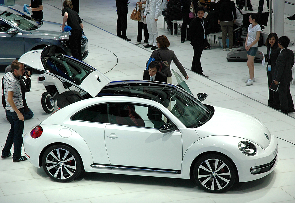 Hersteller wie VW zeigen nicht ohne Grund vor allem in China, hier Messe in Shanghai, Präsenz.